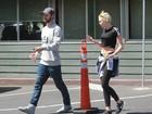 Firme e forte: Miley Cyrus passeia com o namorado, Patrick Schwarzenegger