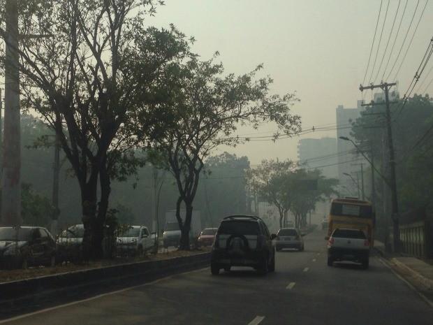 Visibilidade foi afetada nas ruas da Zona Centro-Sul  (Foto: Isabella Pina)