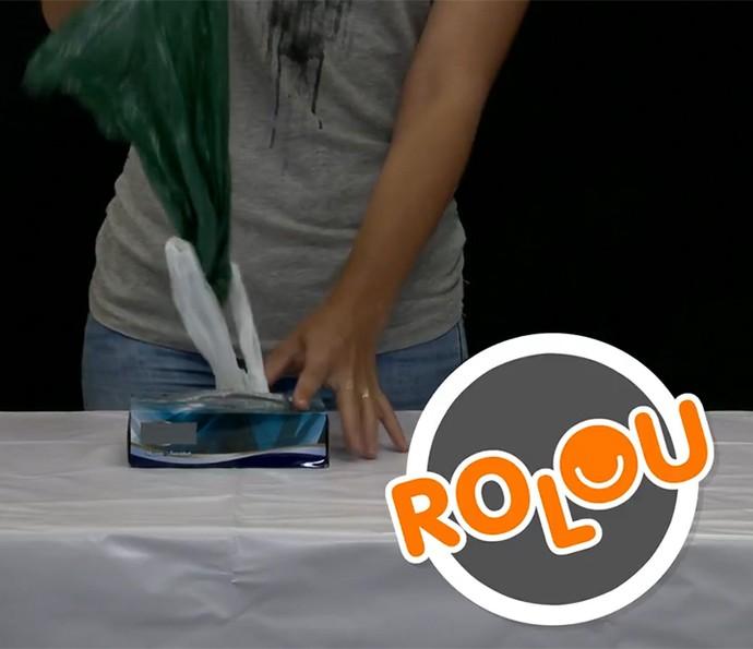 Rolou! O encaixe das sacolas fazer com que você consiga deixar à mão a próxima assim que tira uma! (Foto: Divulgação)