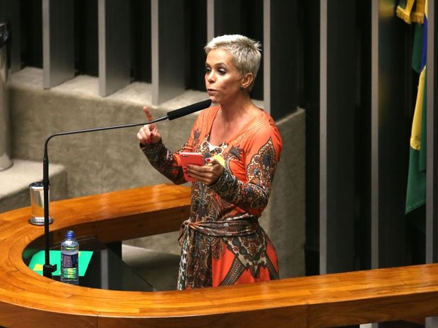 Deputada Cristiane Brasil durante discurso no plenário da Câmara (Foto: Fabio Rodrigues Pozzebom/Agência Brasil)
