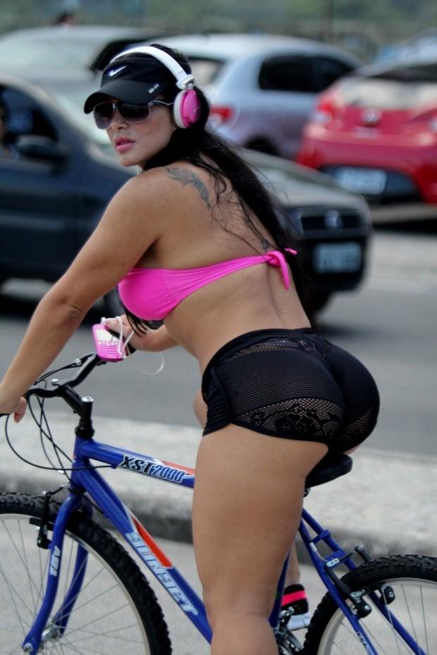 Fabiana Andrade Anda De Bicicleta Short Min Sculo E Transparente
