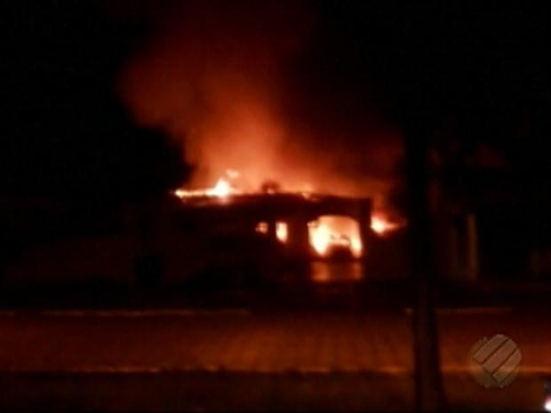 Incêndio Fórum Concórdia (Foto: Reprodução/TV Liberal)