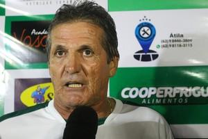 Roberto Oliveira parabeniza o Gurupi (Foto: Edson Reis/GloboEsporte.com)