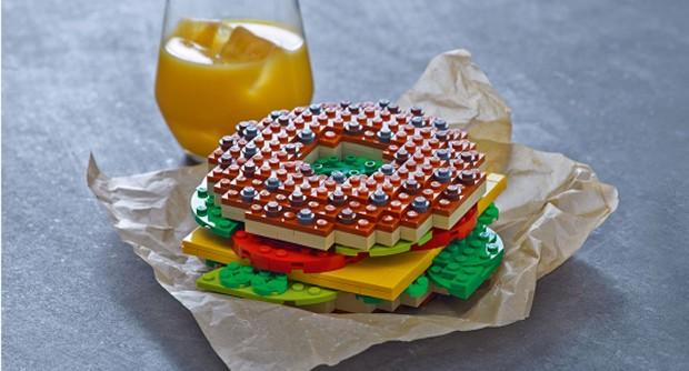 Vai uma refeição com Lego, aí? Na Lego House, visitantes poderão fazer pedidos desta forma (Foto: Divulgação)