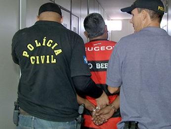 Homem é preso suspeito de cometer mais de 40 assaltos em Cuiabá. (Foto: Reprodução/ TVCA)