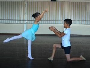 Aulas de balé clássico no Bolshoi iniciarão em fevereiro de 2016 (Foto: Fabiana Figueiredo/G1)