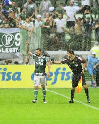 Cleiton Xavier Palmeiras x Internacional (Foto: Marcos Ribolli)
