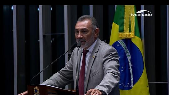 Telmário Mota reafirma apoio a Dilma e diz que ela não cometeu crime