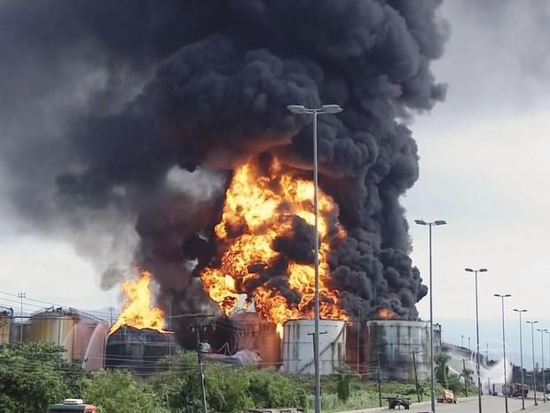Nova explosão foi registrada por volta das 13h10 (Foto: Reprodução/TV Globo)