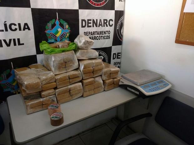 Denarc aprendeu 61 quilos de maconha na última terça (2) em Porto Velho (Foto: Denarc/ Divulgação)