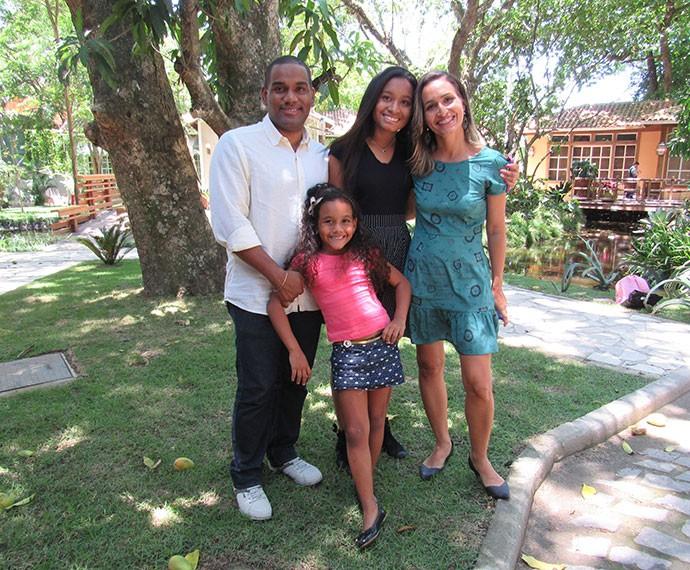 Família Lima da Silva viajou para o exterior pela primeira vez (Foto: Viviane Figueiredo Neto/Gshow)