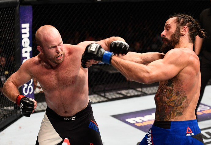 Tim Boetsch x Josh Samman UFC Sioux Falls (Foto: Getty Images)