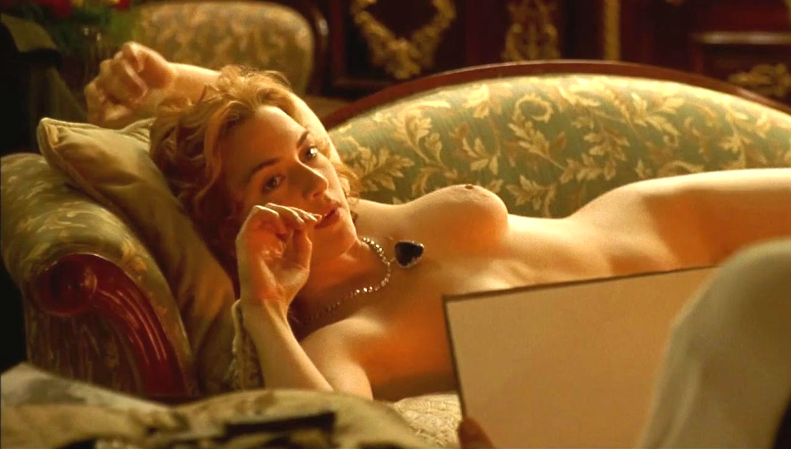 Kate Winslet nua em cena de 'Titanic'. (Foto: Reprodução)