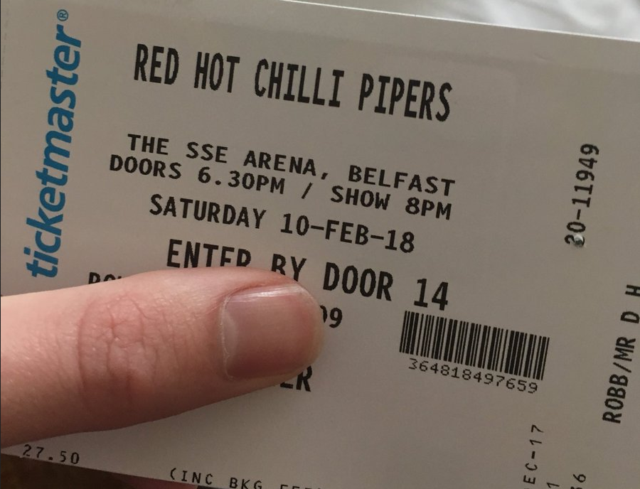 O ingresso de Duncan Robb para o show do grupo Red Hot Chilli Pipers - que ele confundiu com os Red Hot Chili Peppers (Foto: Twitter)