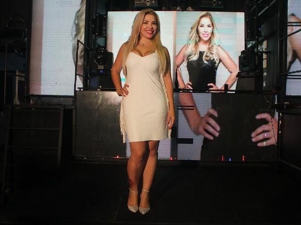 Verônica Costa em bastidores de programa de TV (Foto: Rodrigo dos Anjos/ Divulgação)