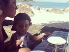 Mais praia! Daniele Suzuki curte domingo de sol com o filho