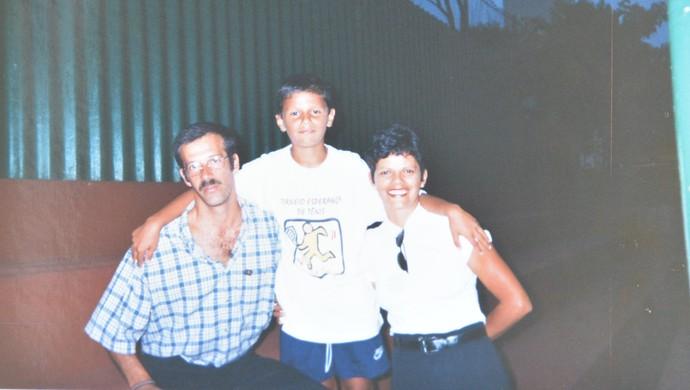 Feijão criança com os pais (Foto: Bruno Rocha)