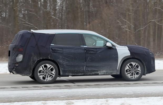 Nava geração do Hyundai Santa Fe já está rodando em testes (Foto: Divulgação)