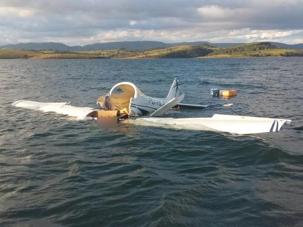 Avião que caiu no Lago de Furnas havia saído decolado de Pará de Minas (Foto: Ivan Antônio Ávila)
