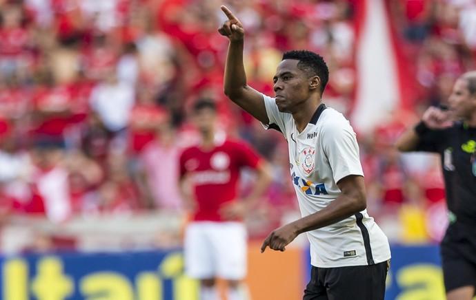 Internacional x Corinthians Elias (Foto: Jeferson Guareze/Agif/Estadão Conteúdo)