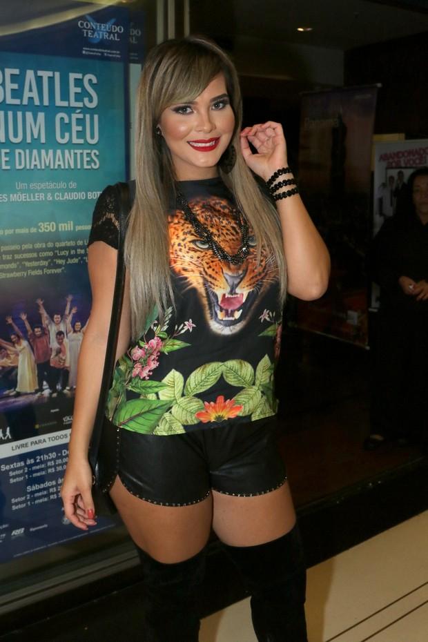 Geisy arruda confere espetáculo (Foto: Thiago Duran/Agnews )