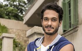 Com corpão em dia, Raphael Viana entra em 'Império' e vai fazer você suar a camisa!
