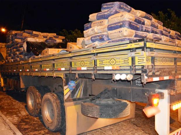 Mais de uma tonelada de dinameite foi apreendida em Valente, na Bahia (Foto: Leandro Alves/Portal Bahia News)