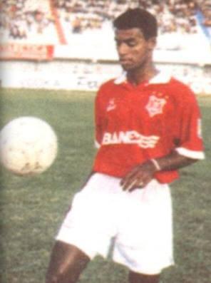 7e244de68d 1994  Marcelo Sergipano sai do Ita para virar artilheiro no tetra do ...