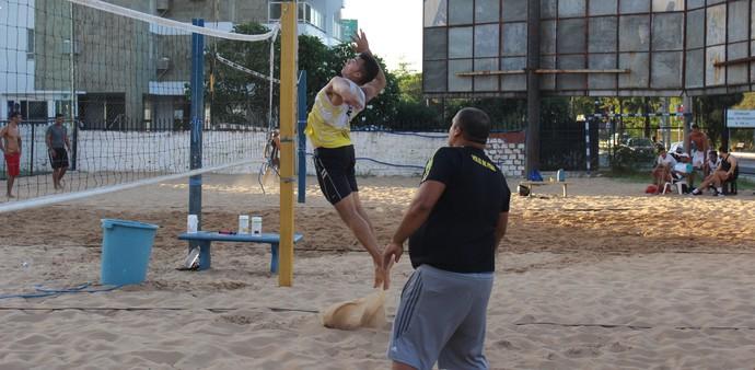 Edinando Baiano e Brandon Igor - Vôlei de praia  (Foto: Emanuele Madeira/GloboEsporte.com)