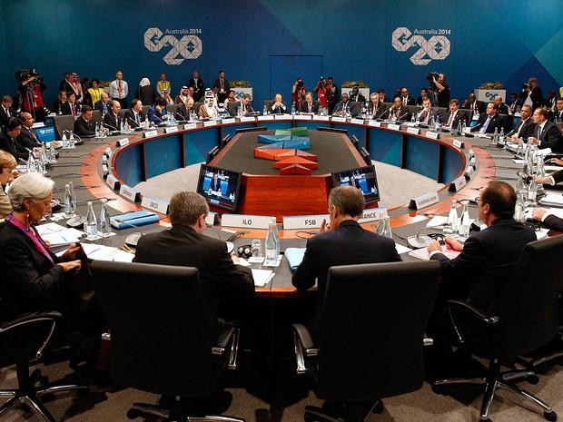 Líderes do G20 durante a abertura da cúpula neste sábado (15) na Austrália (Foto: Kevin Lamarque/Reuters)