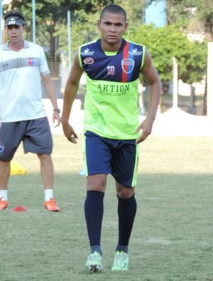 Raul, volante do Grêmio Prudente (Foto: João Paulo Tilio / GloboEsporte.com)