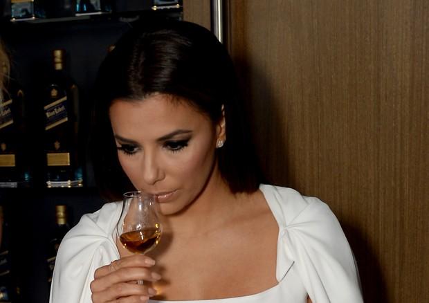 Eva Longoria em degustação de Johnnie Walker (Foto: Getty Images)