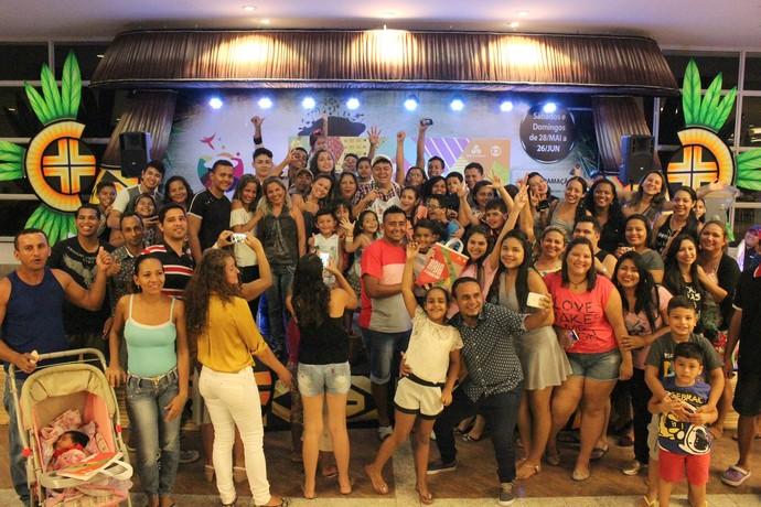 Público prestigia ação de lançamento de 'Haja Coração' em Manaus (Foto: Katiúscia Monteiro/ Rede Amazônica)