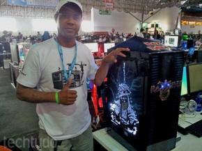Mário teve a ideia de criar um casemod baseado em Iron Maiden (Foto: TechTudo/Paulo Vasconcellos)