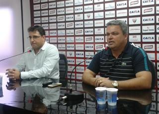 Marcelo Martelotte, técnico do Atlético-GO, e o diretor de futebol Adson Batista (Foto: Guilherme Gonçalves/Globoesporte.com)