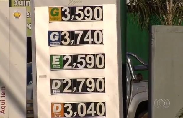 Posto aumenta preço dos combustíveis mesmo após decisão judicial em Goiânia, Goiás (Foto: Reprodução/TV Anhanguera)