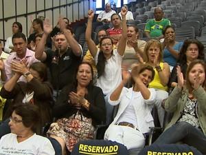 Servidores da saúde protestam em Ribeirão Preto, SP (Foto: Reprodução/EPTV)