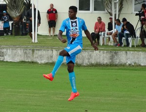 Zagueiro Geninho (Foto: André Ráguine / GloboEsporte.com)