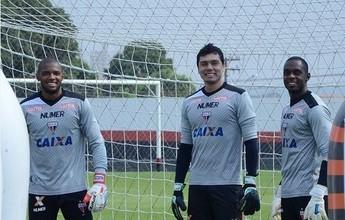 Atlético-GO e goleiro Kléver entram em acordo para renovação de contrato