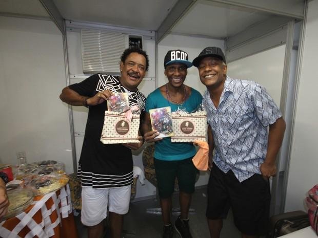 Compadre Washington e Beto Jamaica com Márcio Victor em show em Salvador, na Bahia (Foto: João Victor Castro/ Divulgação)