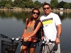 Ronaldo e Paula Morais passeiam de bicicleta em Londres