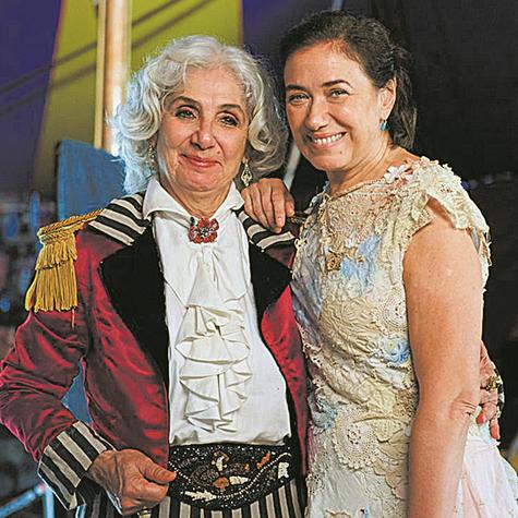 Juliana Carneiro da Cunha e Lilia Cabral no set de 'Maria do Caritó' (Foto: Selmy Yassuda)