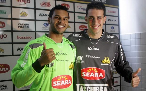 Goleiros Helton Leite e Darley são apresentado no Criciúma  (Foto: Fernando Ribeiro, Divulgação / Criciúma)