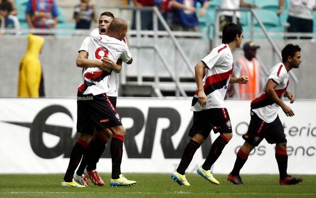 Vitória comemora contra Bahia (Foto: Raul Spinassé/Futura Press)