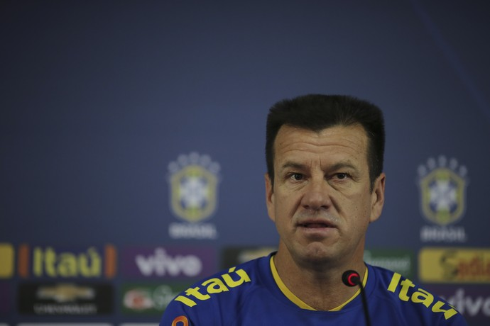 Dunga coletiva Seleção Fortaleza Brasil (Foto: Leo Correia / Mowa Press)
