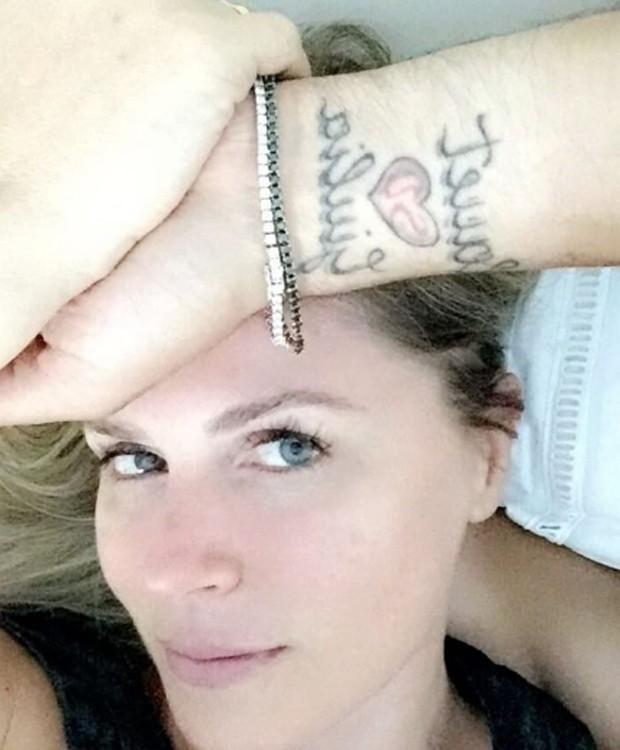 Susana Werner mostra tatuagens de Julio César (Foto: Reprodução/Instagram)