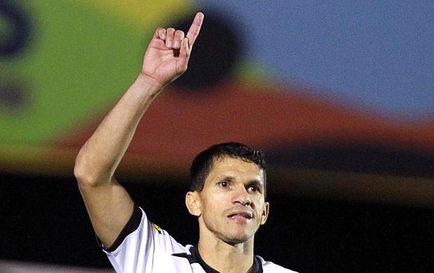Magno Alves comemora gol do Ceara contra Atlético-GO (Foto: André Costa / Agência estado)