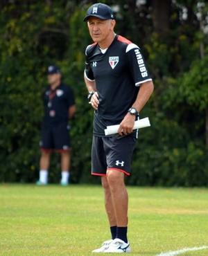 Osorio, técnico do São Paulo, em treino no CT da Barra Funda (Foto: Érico Leonan / saopaulofc.net)