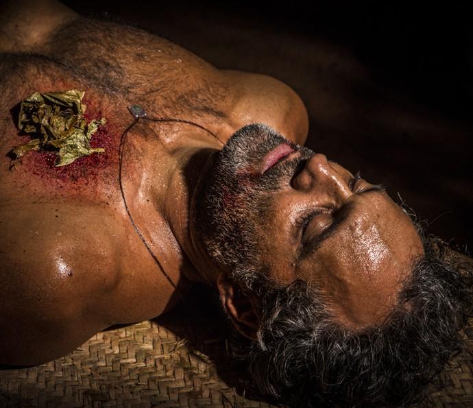 Santo corre risco de morrer (Foto: Inácio Moraes/ Gshow)