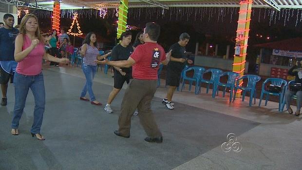 Projeto oferece diversos estilos de dança (Foto: Amazônia TV)